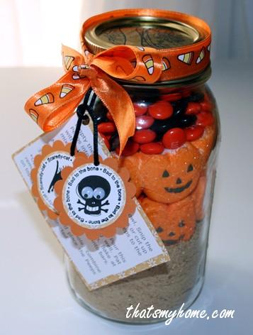 halloween-peeps-in-a-jar
