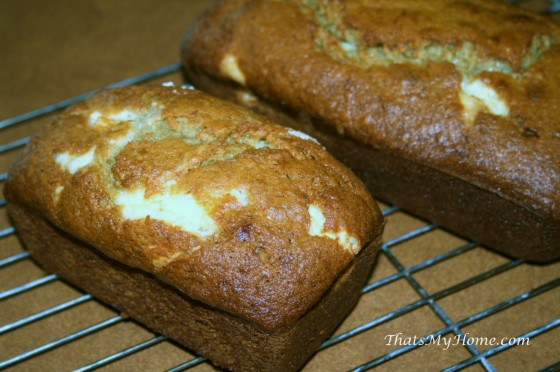 banana-cream-cheese-bread