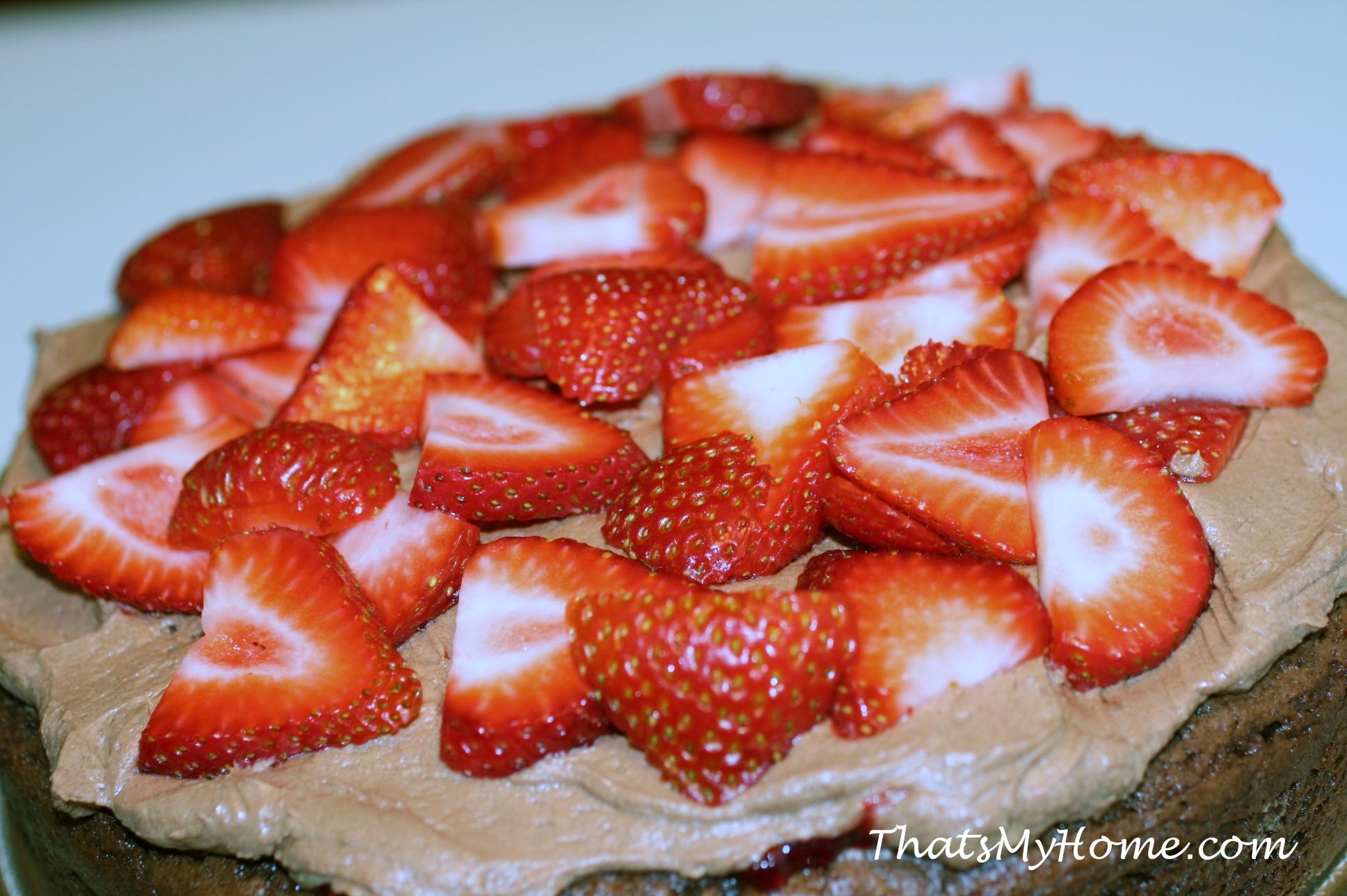Chocolate Cake Filling Using Strawberry Jam