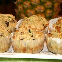 pineapple-zuchinni-muffins
