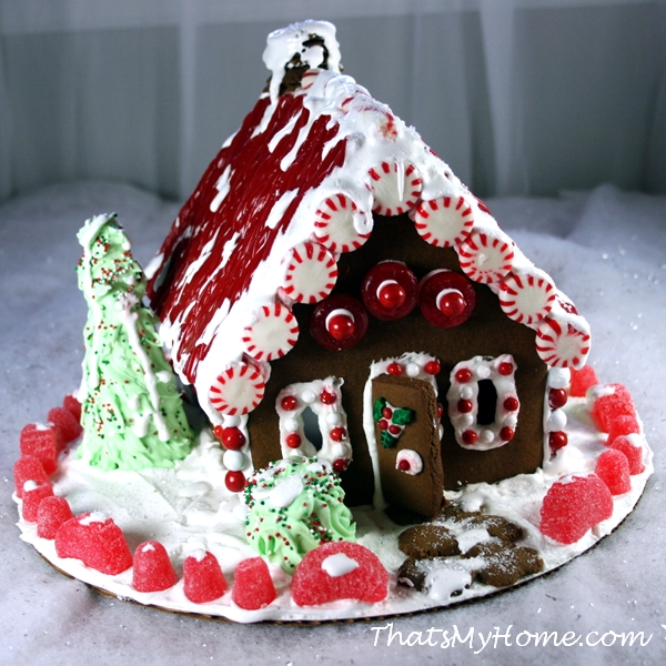 christmas gingerbread house from recipesfoodandcooking .com