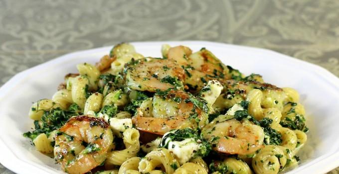 Greek Shrimp and Spinach Pasta #WeekdaySupper