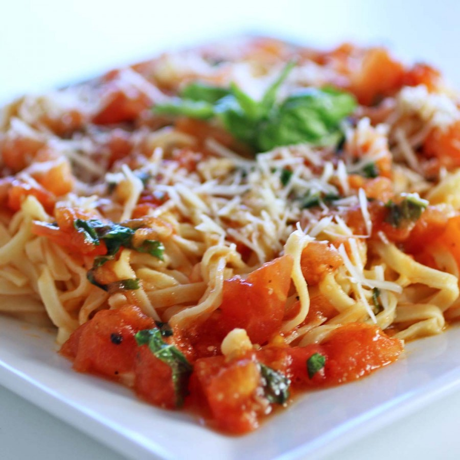 Tomato and Garlic Pasta