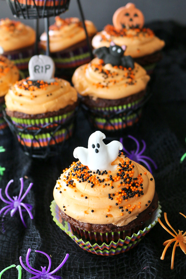 halloween cupcakes with edible glass