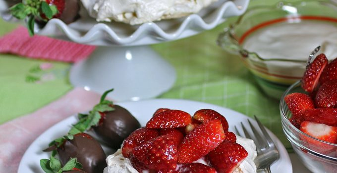 Healthy Strawberry Pavlova with Coconut Cream #Sunday Supper