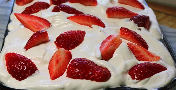 Strawberry Jam Chocolate Pudding Cake